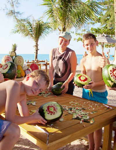 09-Fruit-Carving